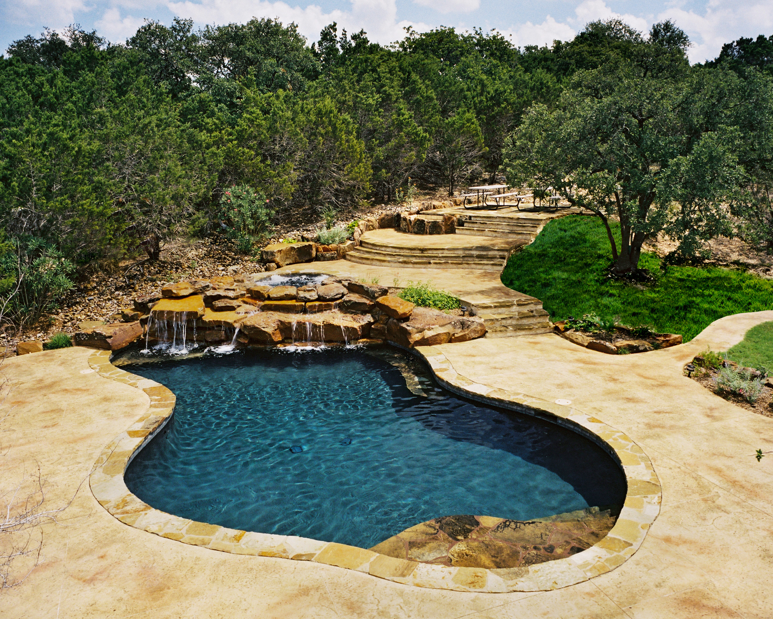 Boerne Freeform Pool/Spa/Waterfall