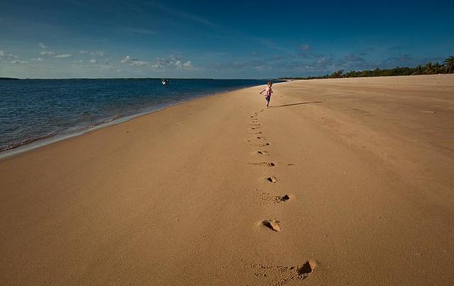 Footprints in the Sand Wallpaper Wall Mural, Self-Adhesive ...