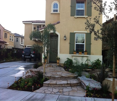 small front yard landscaping designs
