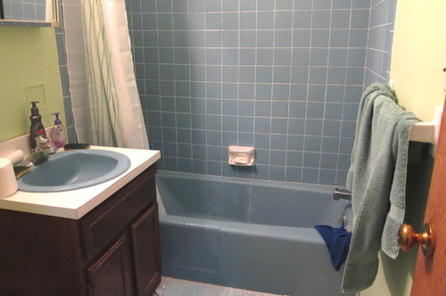 OilRubbed Bronze Right For This Redo - Bathroom colors with bronze fixtures