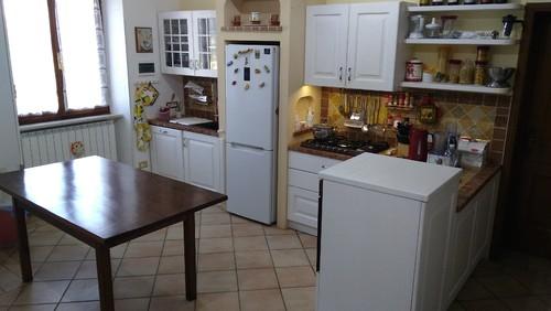 Tavolo e sedie per cucina for Sedie cucina arancioni