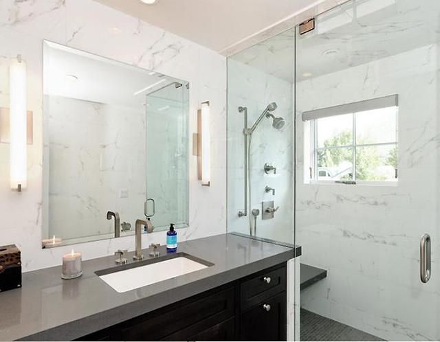 Marmol carrara blanco examples un lbum de ideas de for Fotos de cuartos de bano de marmol
