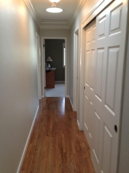 Narrow Foyer : Narrow hallway