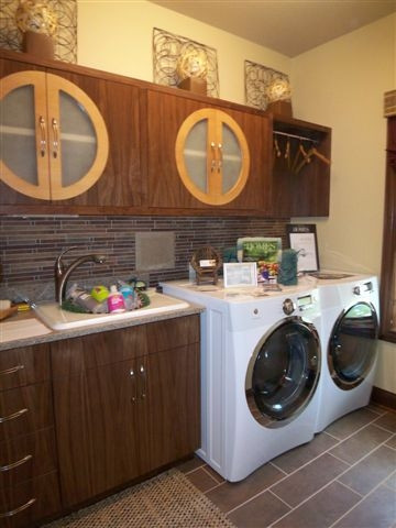 Kitchen Design & Laundry Room