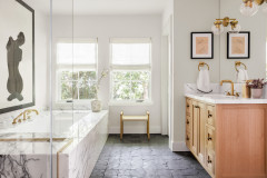 Hard-Won Knowledge: The 9 Bathroom Features US Pros Recommend