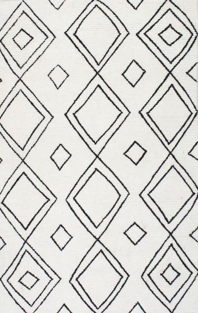 Hand-Tufted Moroccan Diamond Wool Rug, Natural, 5&x27;x8&x27;.