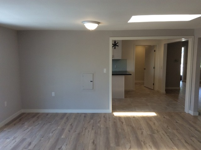 Example of a transitional home design design in Orange County