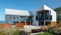 Houzz Tour: A Flexible, Resilient Coastal Home