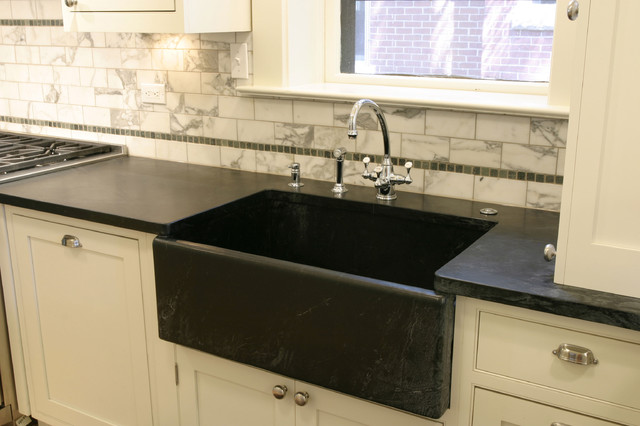 traditional vintage kitchen - farmhouse sink - traditional