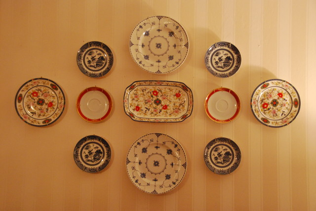 Decorating with plates - Traditional - Bedroom - Boston