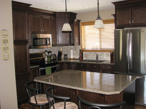 white kitchen cabinets with oak trim should i change out the oak trim 2084