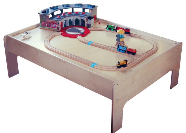 birch wood kids train table contemporain jouet et jeu enfant par modern tots. Black Bedroom Furniture Sets. Home Design Ideas
