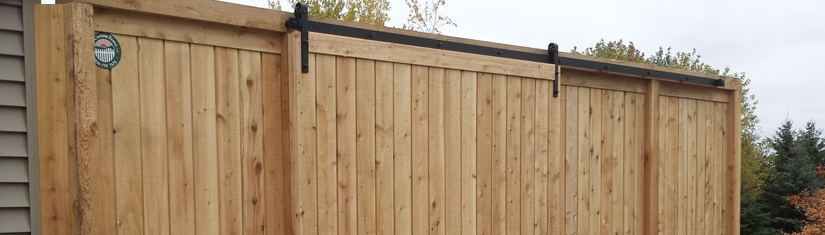 Cedar Valley Estate Fence With Barn Style Door