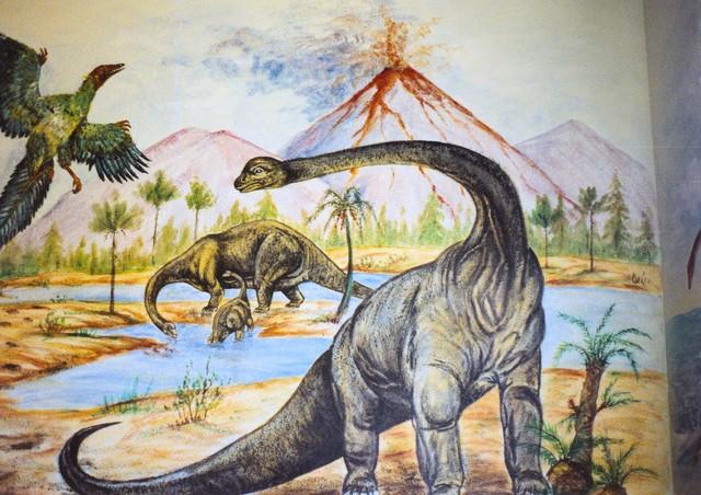 Dinosaurs prehistoric scenes bedroom wall mural for Dinosaur mural ideas