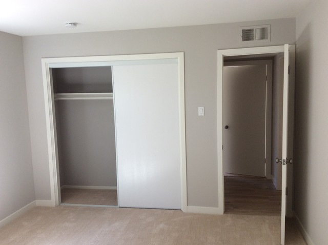 Transitional home design photo in Orange County