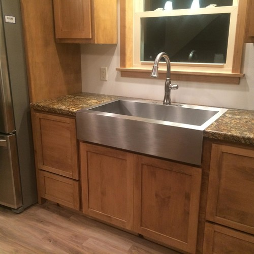 Kitchen Laminate Countertops: Farmhouse Sink