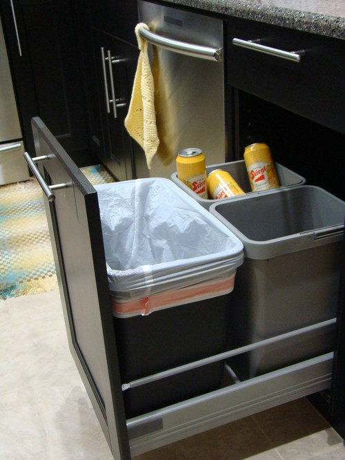 Is this an ikea kitchen with a pull out function for the trash - Ikea pull out trash bin ...