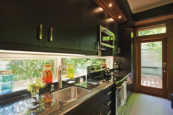 Inspiration for a modern kitchen remodel in Seattle