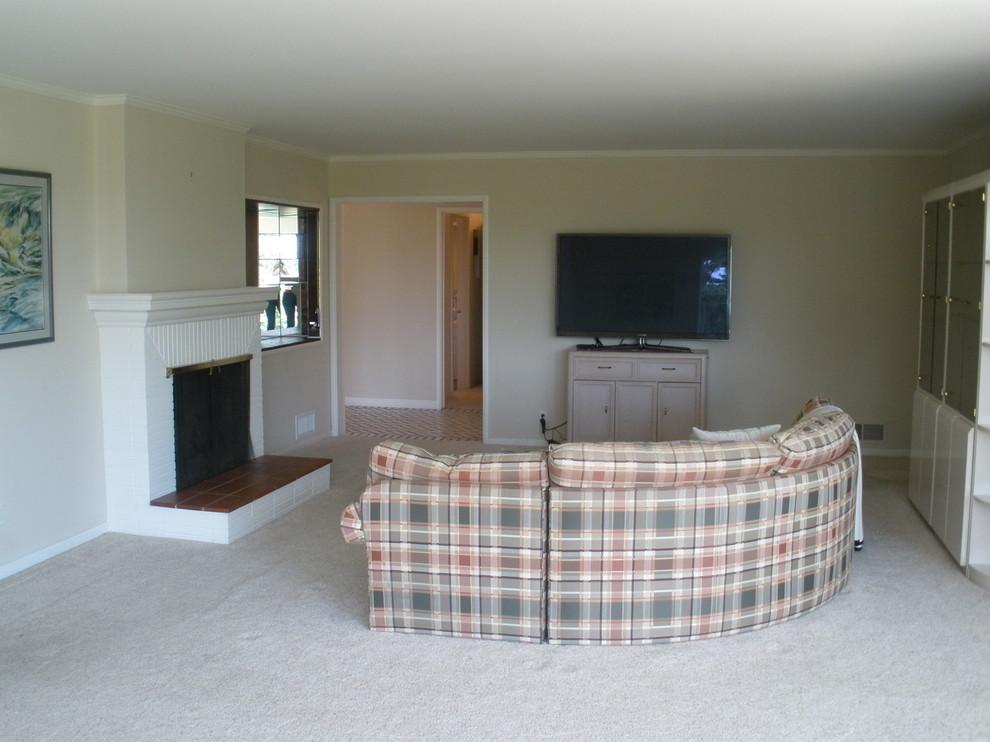 El Arroyo - living room before picture