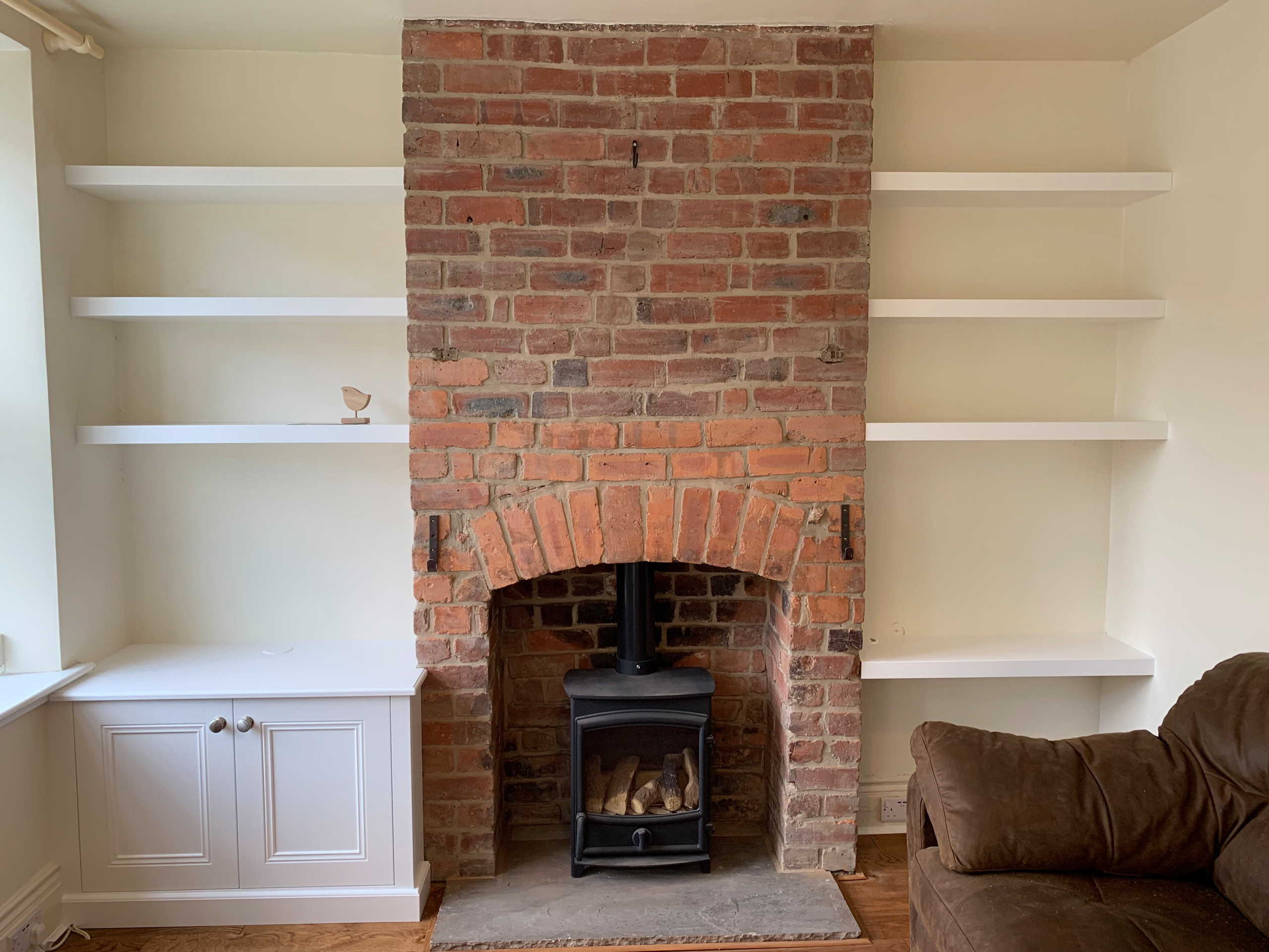 Classic Alcove base cabinet with floating shelves