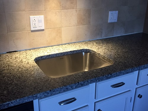 Perfect Gap between backsplash & granite NQ61