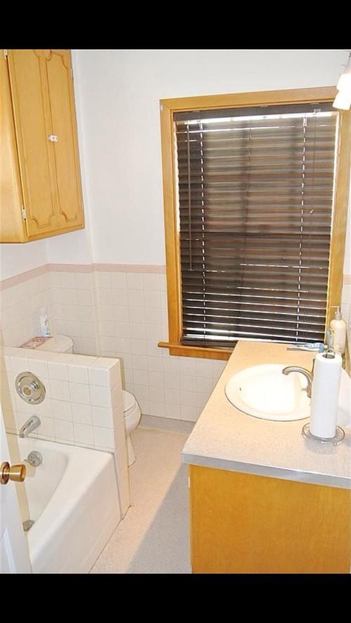 Bathroom Layout Help help: awkward bathroom layout.