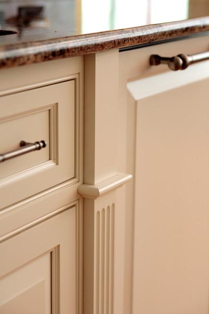 interior details richmond von tuckahoe creek. Black Bedroom Furniture Sets. Home Design Ideas
