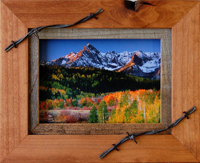 Western Frames 5x7 Wood Frame With Barbed Wire Sagebrush