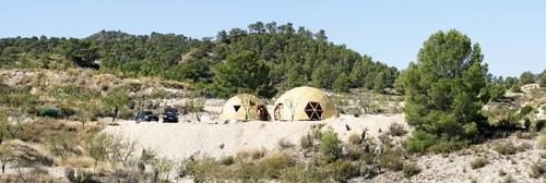 Panorámica de la vivienda en el entorno de la ladera norte de la Sierra de la Pi
