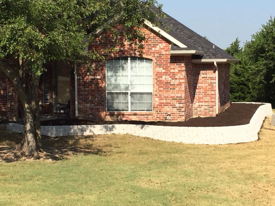 Lawns & Landscaping
