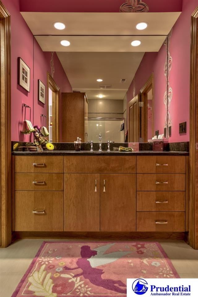 Luxury Estate - Newport Landing