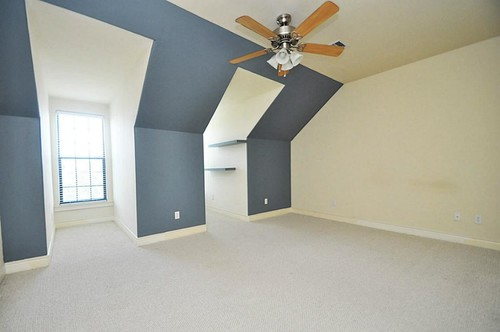Dormer Room paint color - guest bedroom w/alcoves to attract tenants