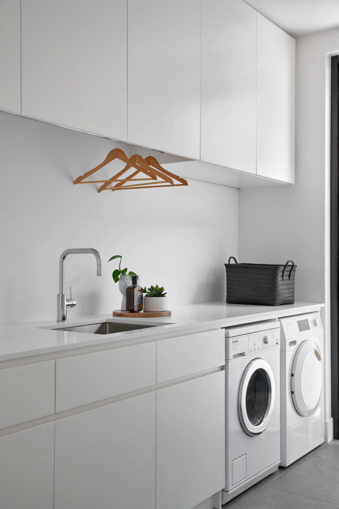 Contemporary laundry room in Melbourne.