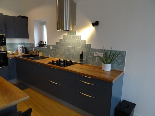 cuisine haut de gamme laqu bleu mat poign es sur mesure industriel cuisine marseille. Black Bedroom Furniture Sets. Home Design Ideas