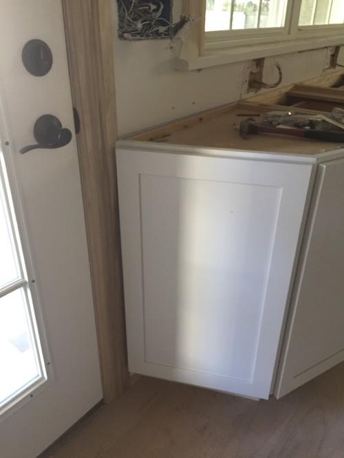 Cabinets Overlap Door Molding