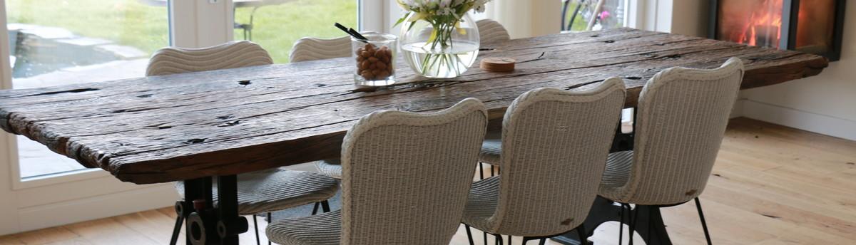 st hle aus b ffelleder. Black Bedroom Furniture Sets. Home Design Ideas