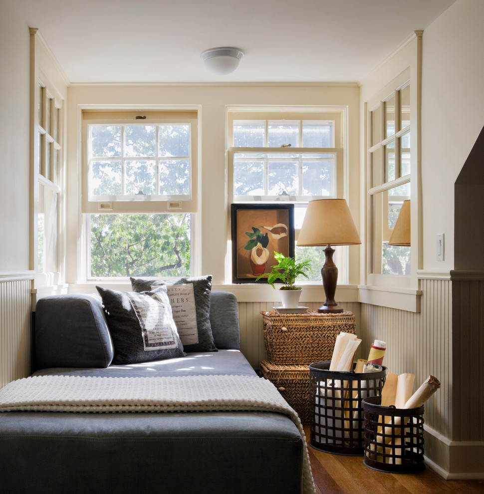 Example of a classic home design design in New York