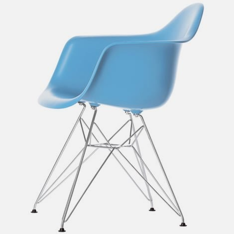 Eiffel Molded Wire Base Arm Chair, Blue by Interiortradefurniture