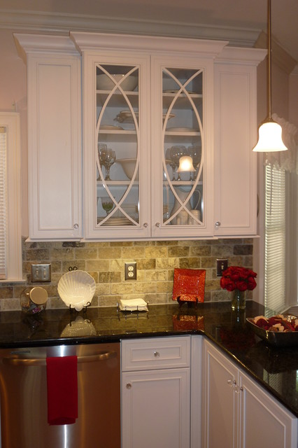 James island sc traditional kitchen charleston by for Kitchen cabinets regina