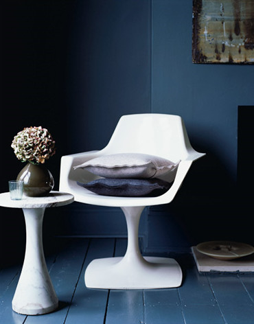 dark blue and white eclectic entry