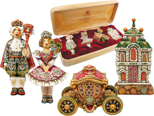Hand Painted 4 Piece Nutcracker Masquerade Ornament Set In Wood Chest Traditional Holiday Accents And Figurines By G Debrekht Houzz