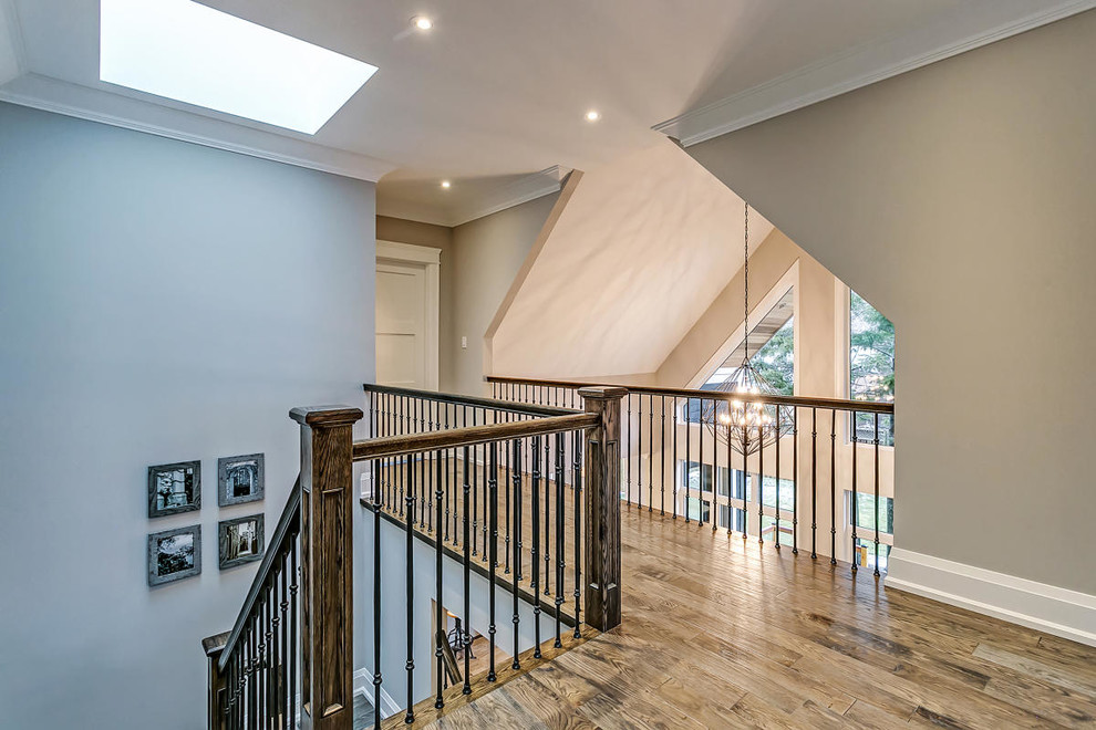 Example of an arts and crafts home design design in Toronto