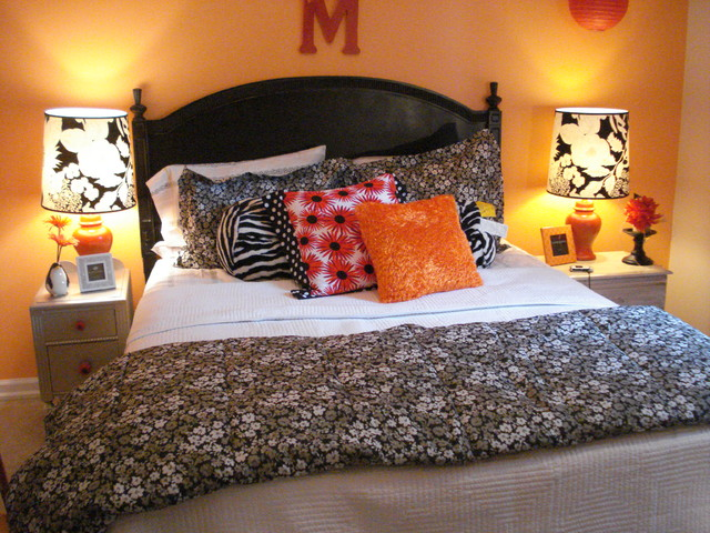http://st.houzz.com/simages/108825_0_4-9914-eclectic-bedroom.jpg