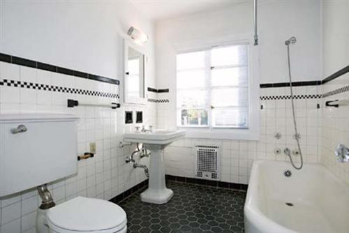 Bathroom Tiles Traditional black and white hexagon tile bathroom | shoe800