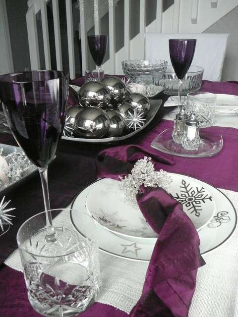 Winter Holiday Plum Tablescape