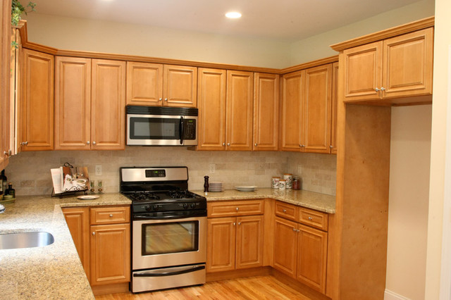 Charleston Light Kitchen Cabinets Home Design Traditional