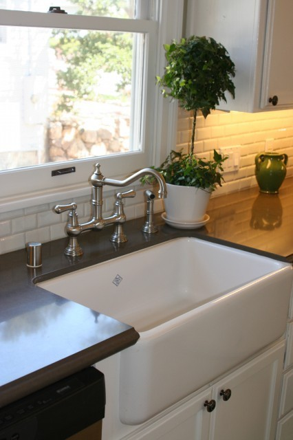 Considering The Popularity Of Both Farmhouse Sinks And Laminated Edges, Iu0027m  Sure Fabricators Run Into This A Lot. I Found Some Pictures That Show  Farmhouse ...