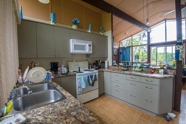 Cottage Kitchen in West Quebec