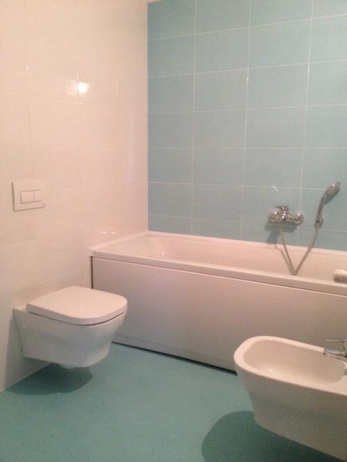 aiuto arredamento bagni con colori assurdi - Arredo Bagno Colore Rosa