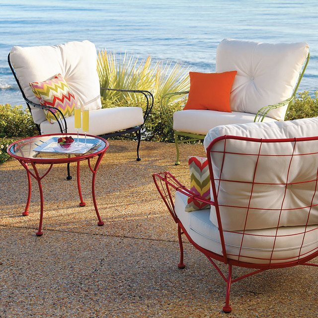Contemporary Outdoor Seating: Guest Picks: Design-Forward Outdoor Furniture